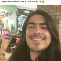 aqui comiendo un helado